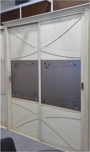Классический шкаф купе с эксклюзивным декором Чита