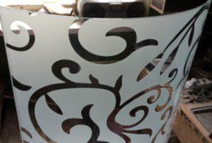 Стекло радиусное с пескоструйным рисунком для радиусных дверей Чита