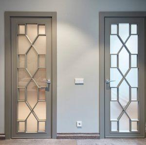 Двери с филенкой Чита